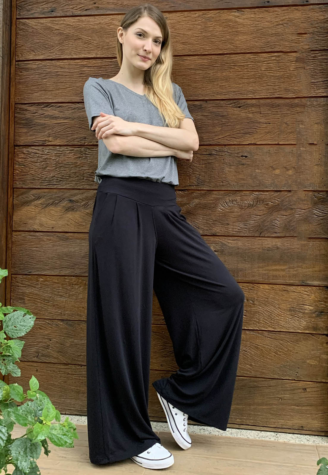 Calça Pantalona Malha com Bolso Preto